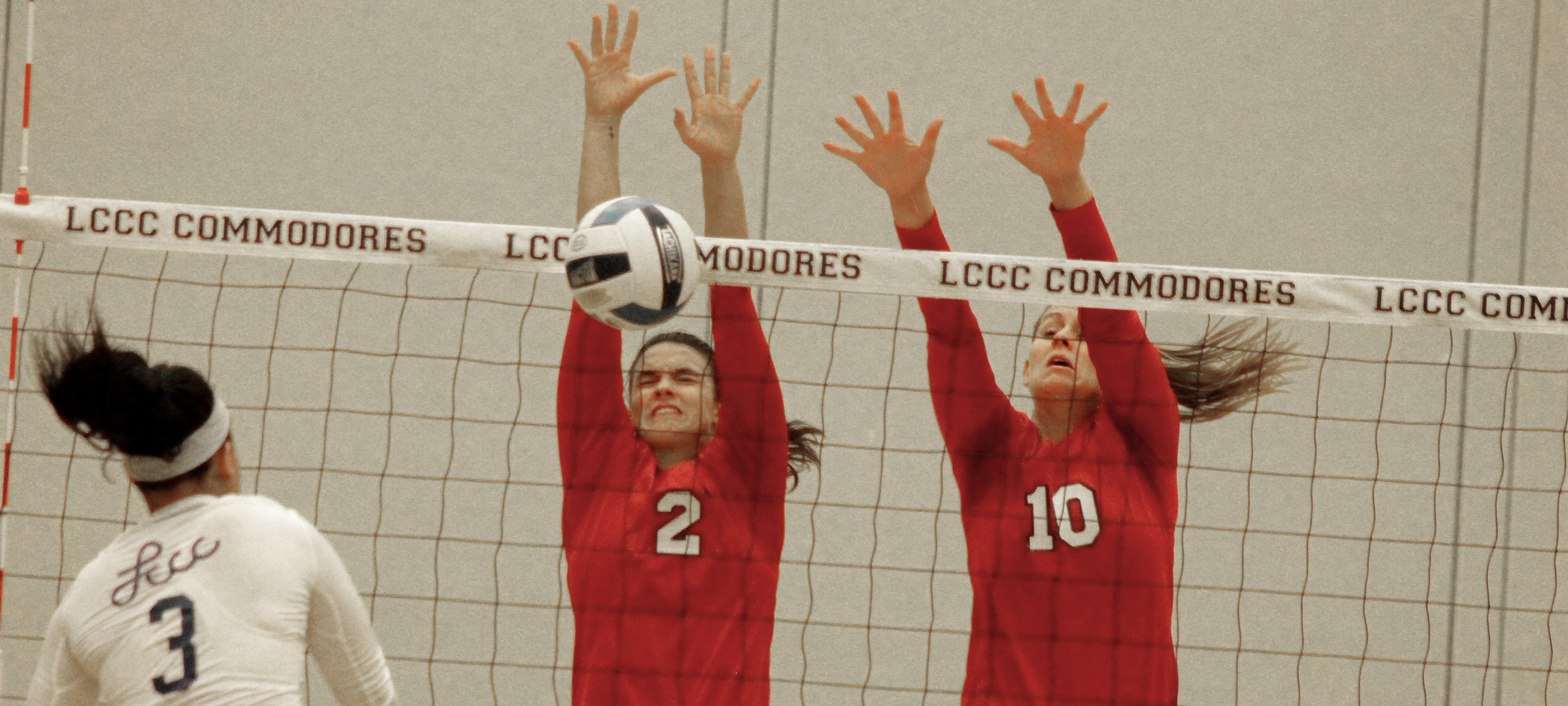 No. 3 Owens Stuffs Lorain County, Wins 29th Straight Conference Match