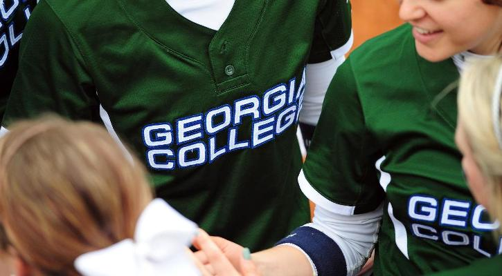 Softball Doubleheader Moved From Saturday to Monday