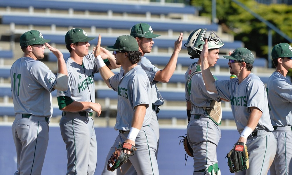 BASEBALL RIDES SEVEN-RUN INNING TO 8-2 WIN IN CAUSEWAY CONTEST AGAINST UC DAVIS