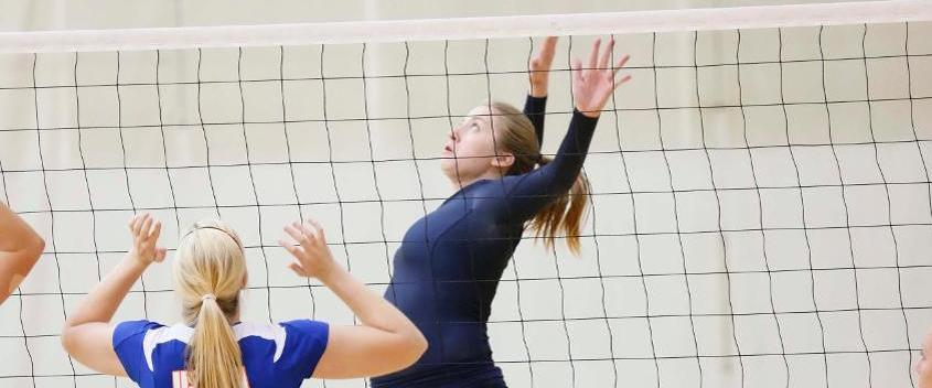 Volleyball downs Simmons, 3-0, on the road
