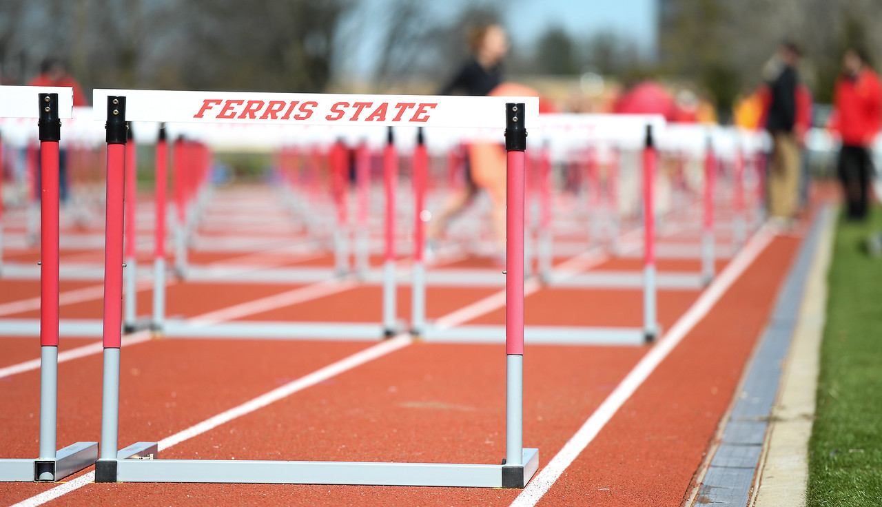 Ferris State Track & Field Posts Two National-Qualifying Marks & Sets School Record At GVSU Open