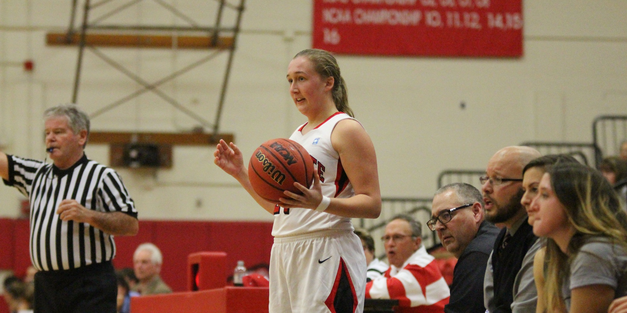 Hot Shooting Propels Women's Basketball Past Middlebury