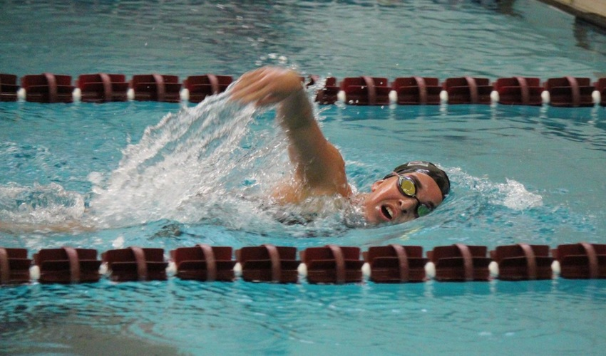 Sutton Sets New School Record in the 1000-Yard Freestyle