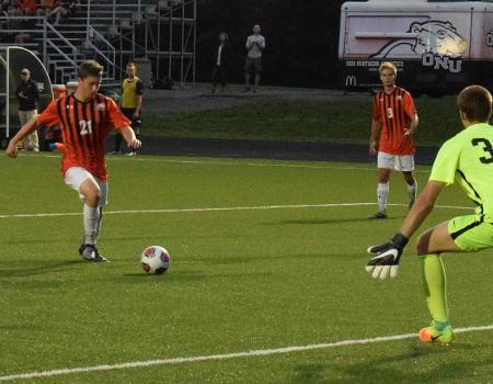 Senior Tommy Troy leads No. 9 Men's Soccer to 1-0 victory over Case Western Reserve