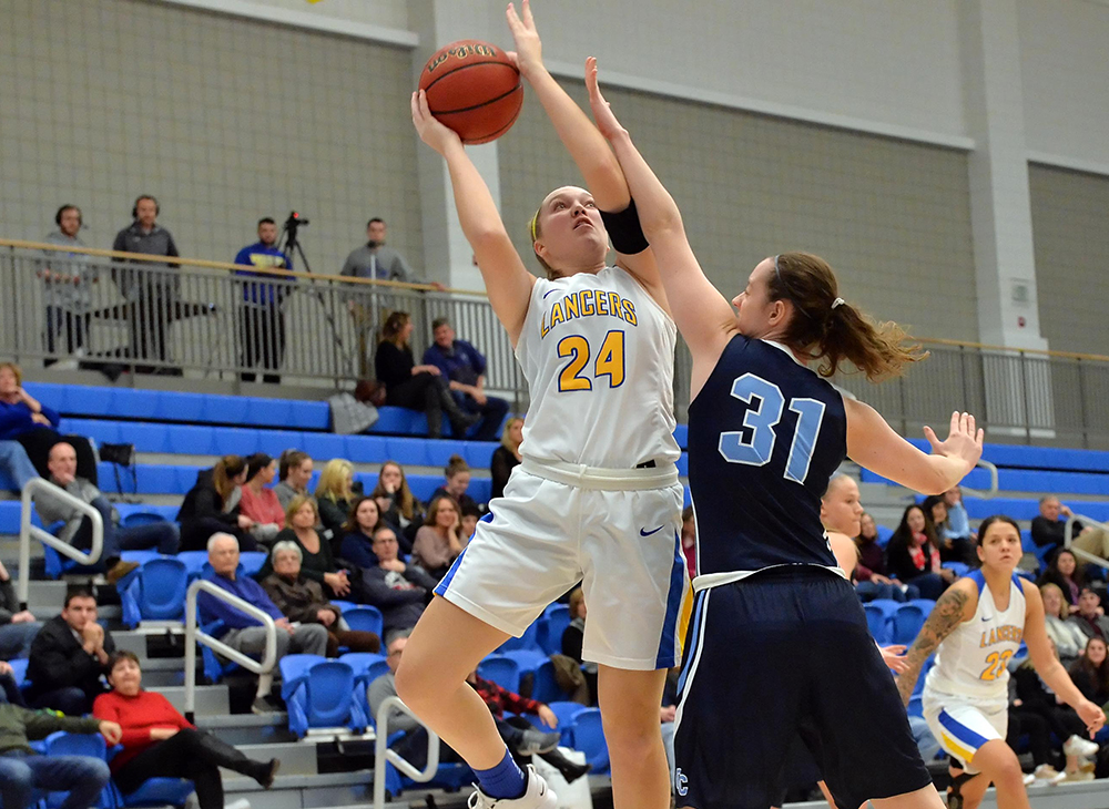 Women's Basketball Downs Bridgewater State