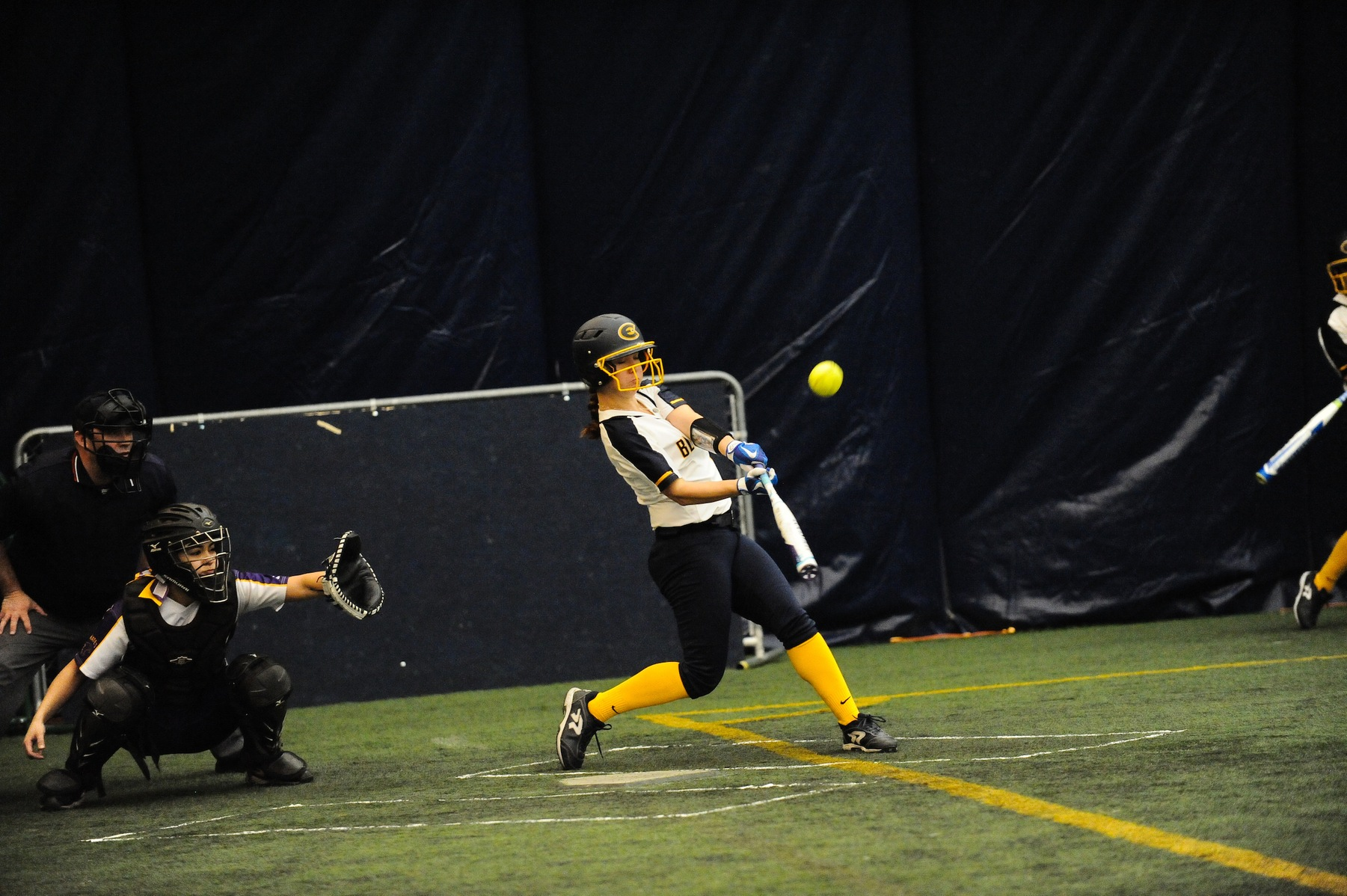 Softball sweeps the day, defeating Chicago and Carthage