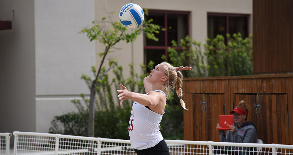 Michelle Gajdka paired with Liliana Light for a three-set dual victory over San Francisco on Saturday.