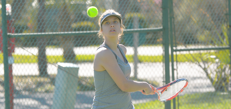 Senior Kayla Eeg won 6-0, 6-0 at No. 4 singles against Muskingum