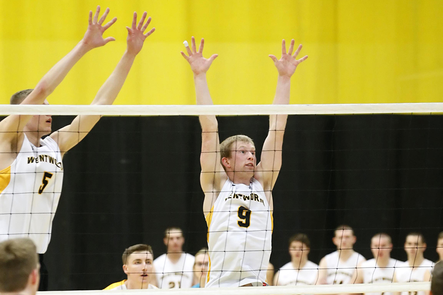 Men's Volleyball Opens Tournament With Two Wins