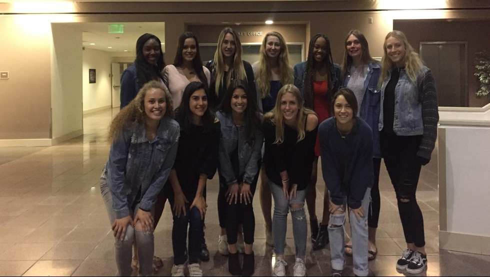 Women's Volleyball Commemorates 2017 Season at End-of-Year Banquet
