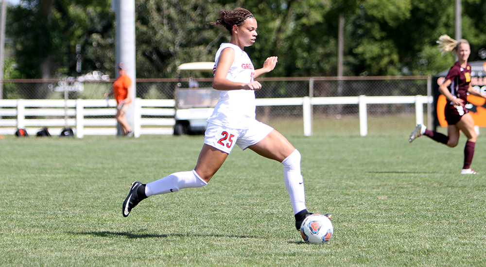 Women's soccer records second shutout of young season