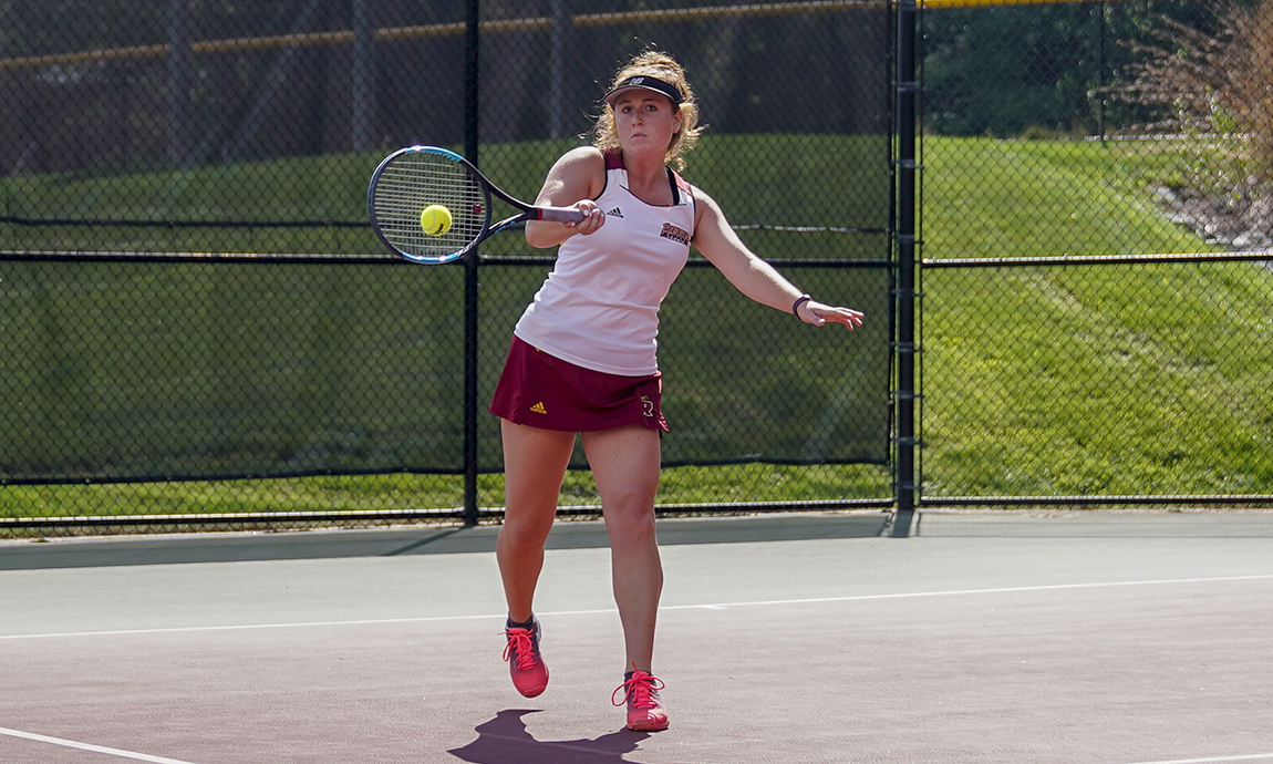Tennis Teams Step Up in Competition to Open Florida Matches
