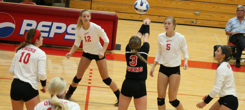 Team Effort Carries No. 8 @OwensExpress VB Past No. 14 St. Clair County, Kellogg