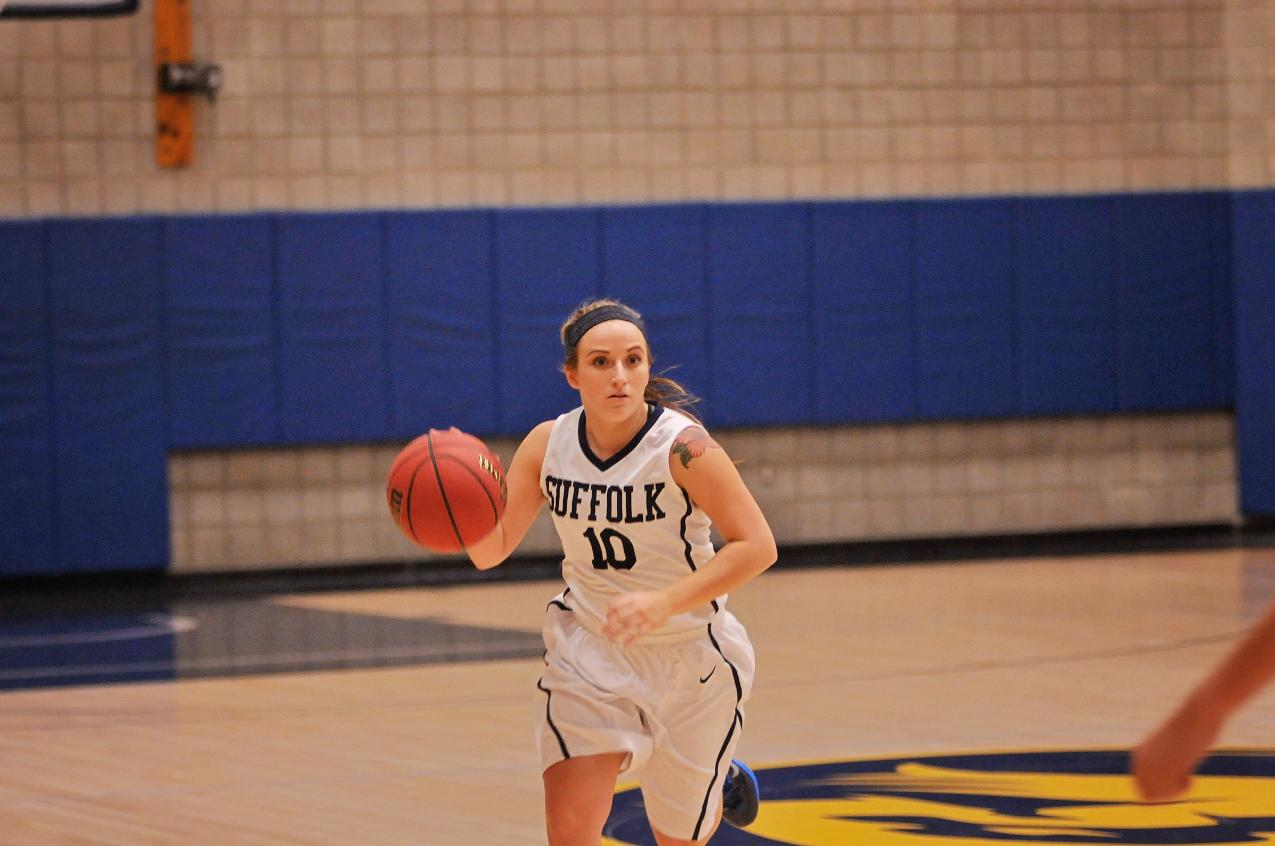 Women's Basketball Takes Down UMaine Farmington in Season Opener, 62-48
