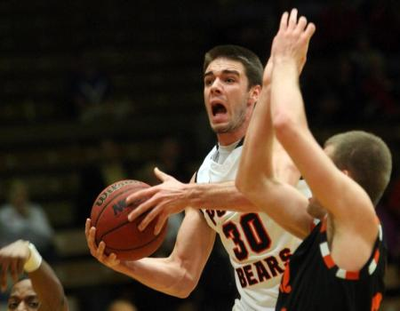 Horstman's career-high 30 points leads Men's Basketball past Heidelberg in First Round of OAC Tournament