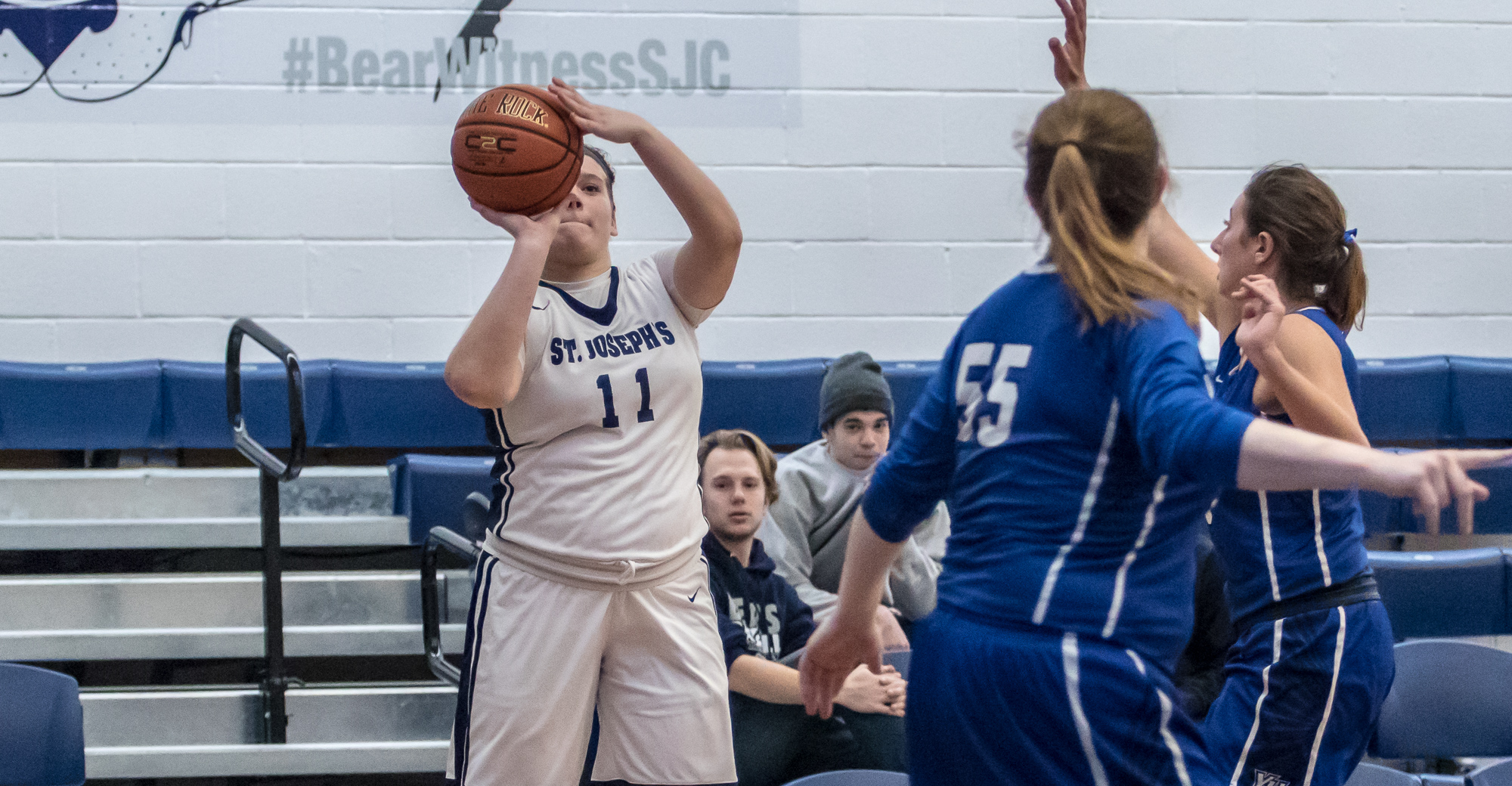 Women's Basketball Snaps Three-Game Skid at Home Over Yeshiva