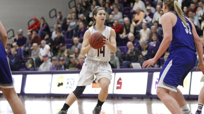 Top-Ranked Ashland Women Defeat Hillsdale, Go To 18-0