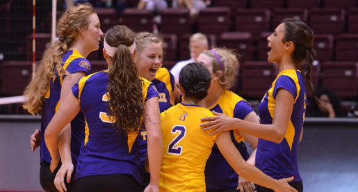 Hard-hitting Conti leads Tech to 3-0 win over Niagara at Akron Tourney