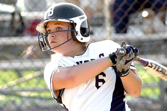 Berg, Kelley lead No. 21 softball team to sweep of WPI