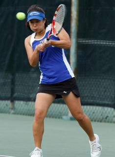 Strong Doubles Play Lifts Wellesley Tennis Over Babson