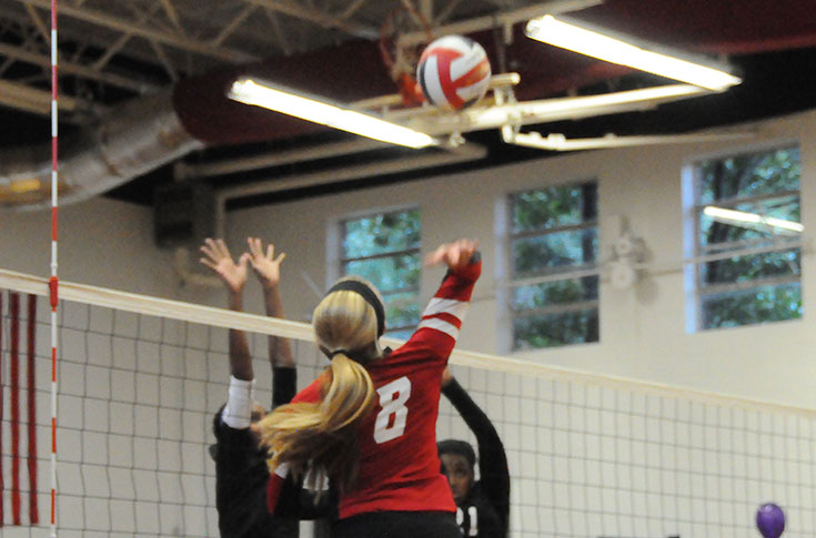 Volleyball: Panthers sweep by Agnes Scott in non-conference match