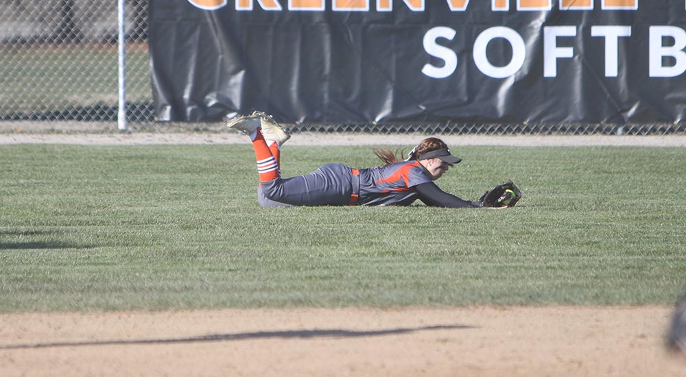 Softball season concludes at Hope