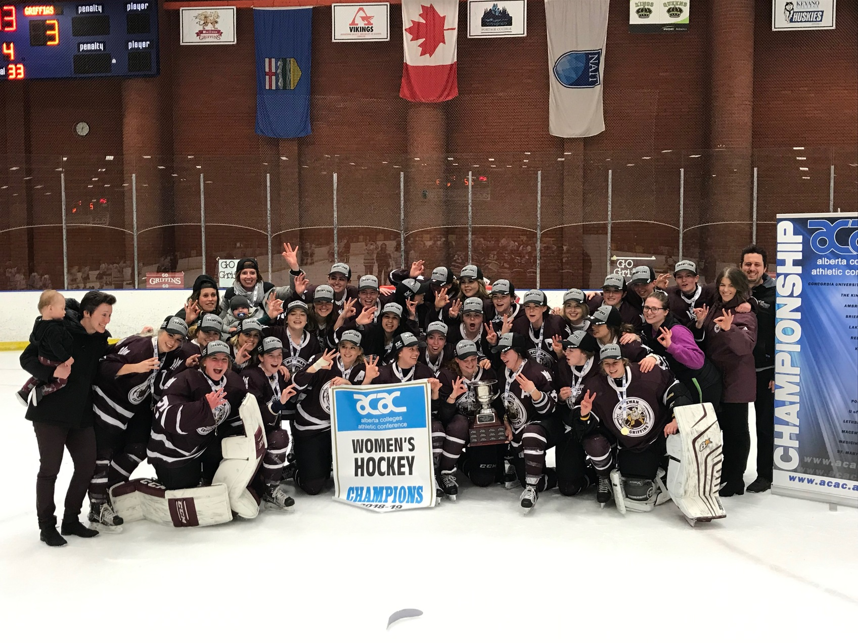 Griffins Win ACAC Women's Hockey Gold