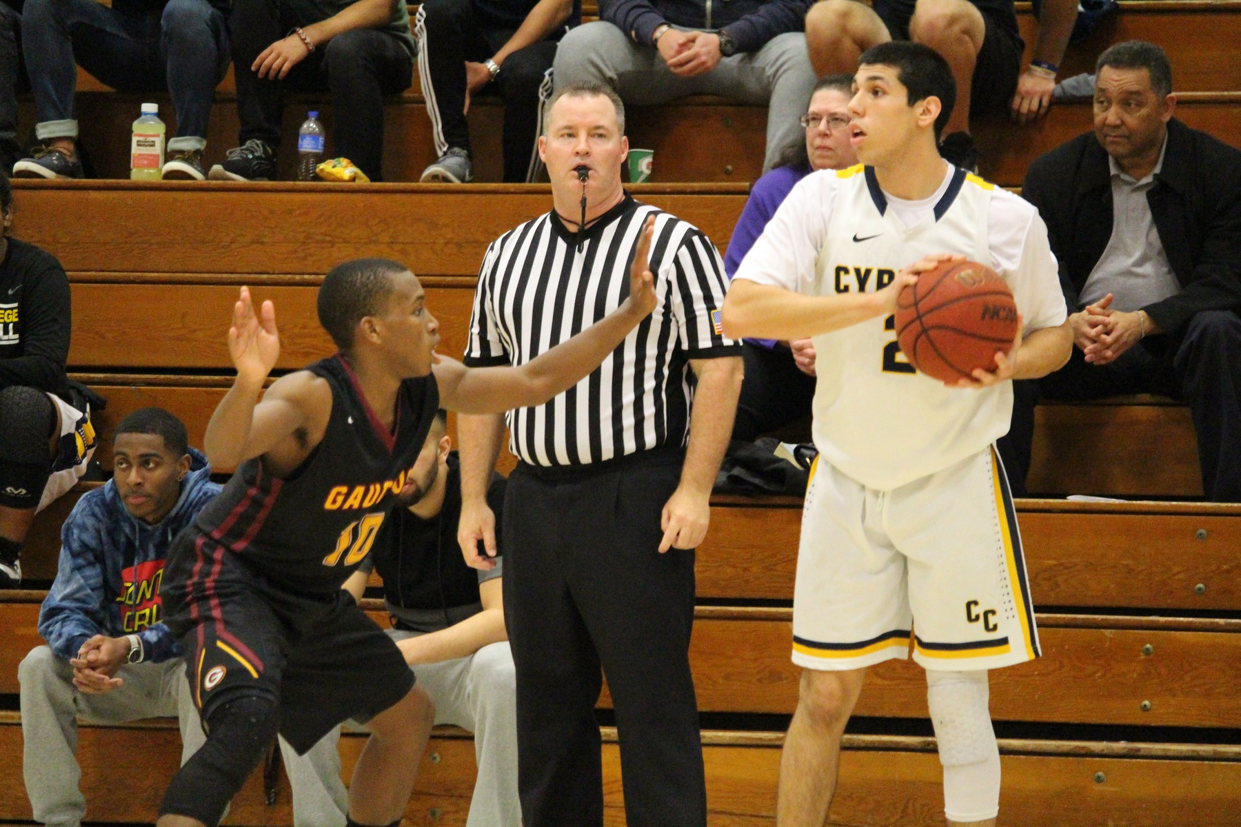 Chargers Fall to Gauchos on Sophomore Night, 65-42