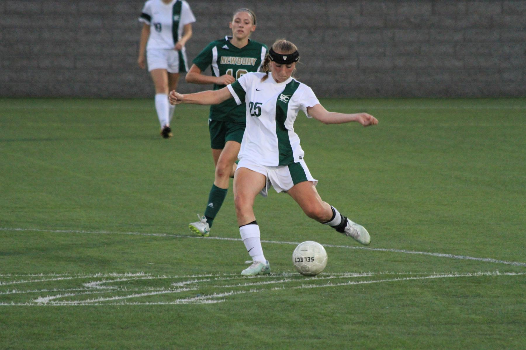 Women's Soccer Shuts Out Regis In NECC Opener