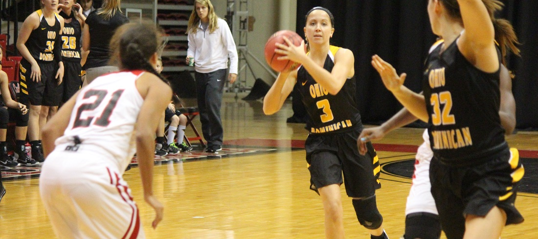 Women's Basketball Holds Off Lakers, 69-66