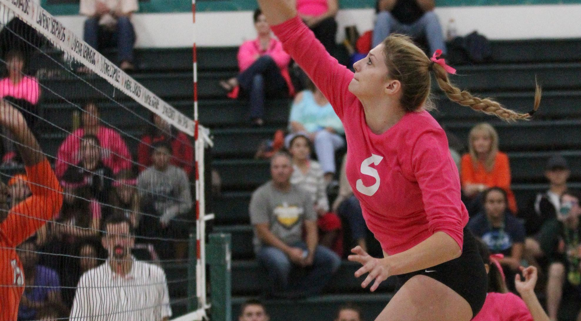Volleyball sweeps Caltech