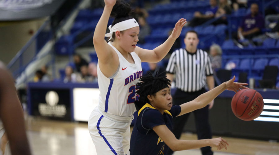 Freshman Makayla Vannett (23) had career highs of six 3-pointers and 20 points to lead the Blue Dragon women to an 81-60 win over Western Nebraska on Monday in the opening-round of the 2019 NJCAA Tournament in Lubbock, Texas. (Photo courtesy Joe Morales/Rapid Shotz photography)