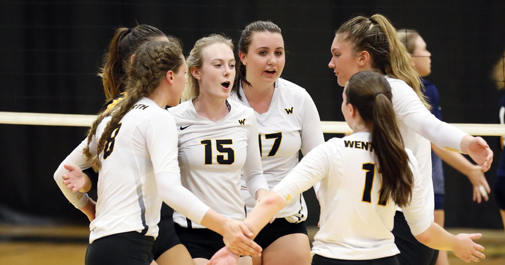 ON TO SEMIFINALS: Women's Volleyball Takes UNE by Storm in CCC Quarterfinals