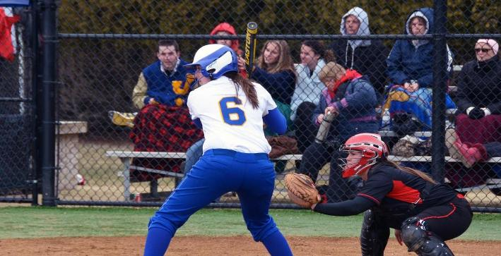 Softball falls to Middlebury, No. 6 Luther on Florida trip