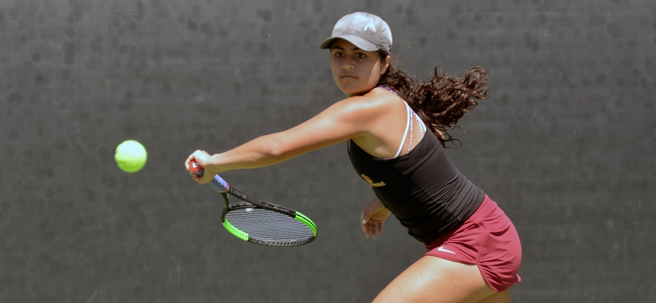 Sarah Bahsoun picked up an 8-1 win in doubles and a 6-1, 6-3 win in singles to sweep the day