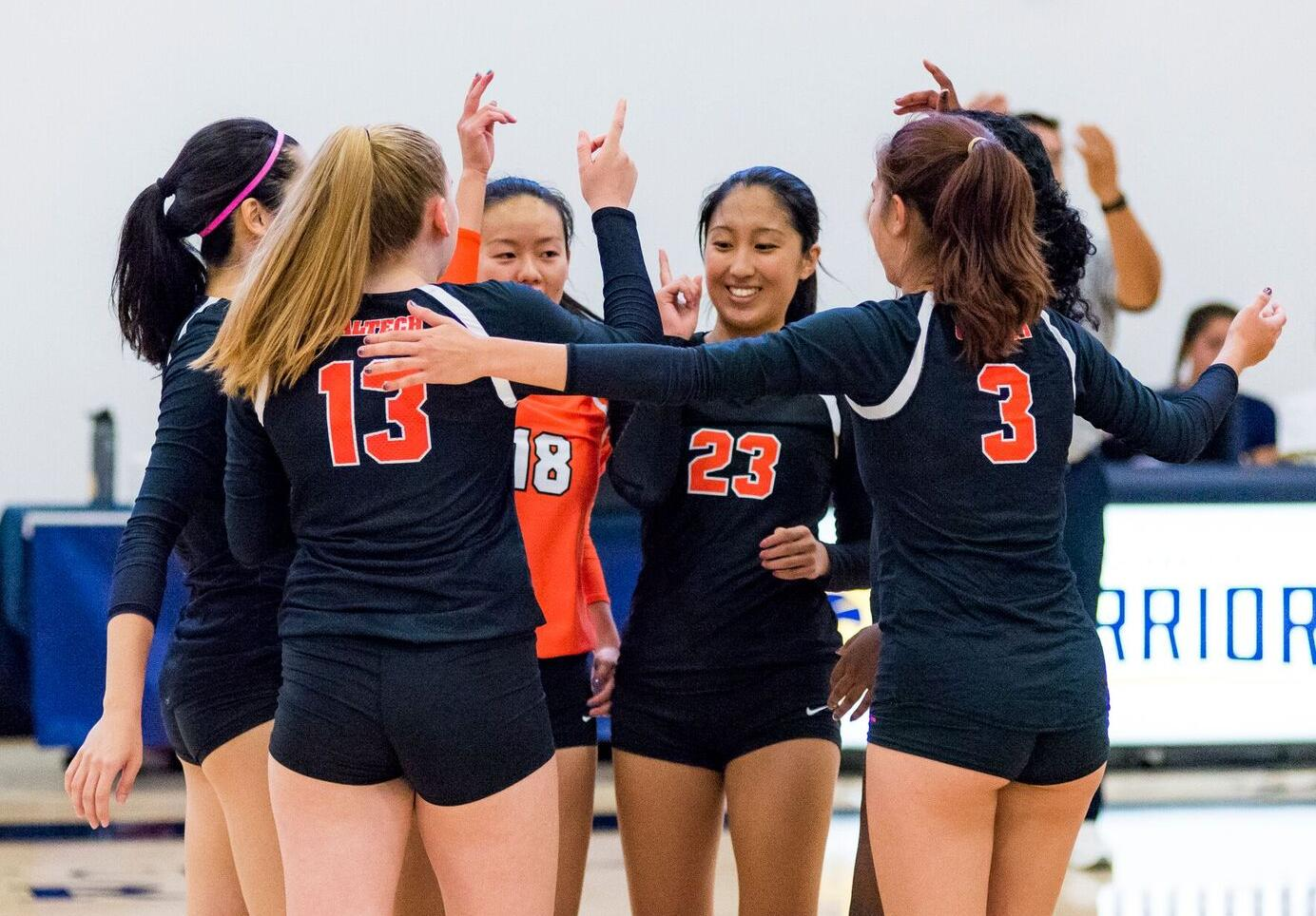 Volleyball Splits Doubleheader Opener