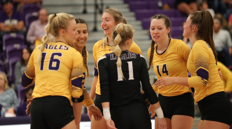 Eagles Win Eighth Straight With Sweep of Grand Valley