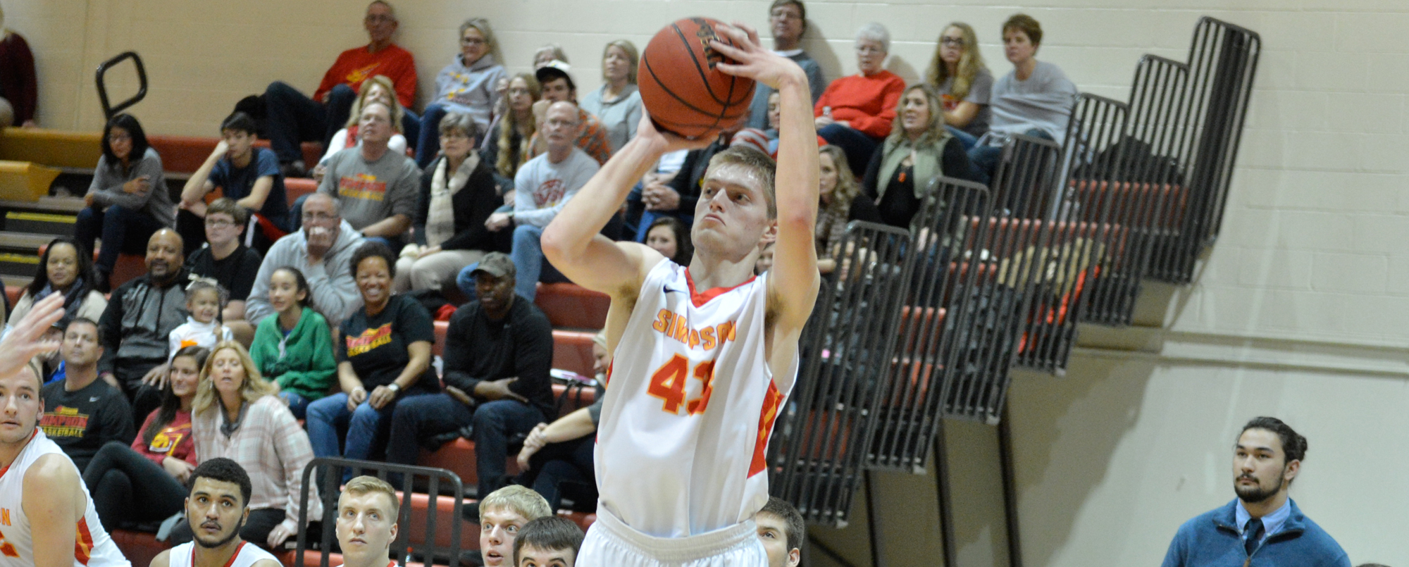 Jamie Montgomery scored 11 points in the Storm's 80-65 loss to Dubuque.