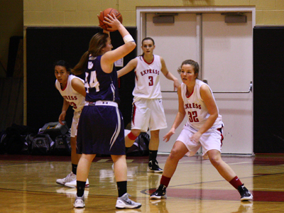 WOMEN'S BASKETBALL CRUISES TO SECOND STRAIGHT VICTORY
