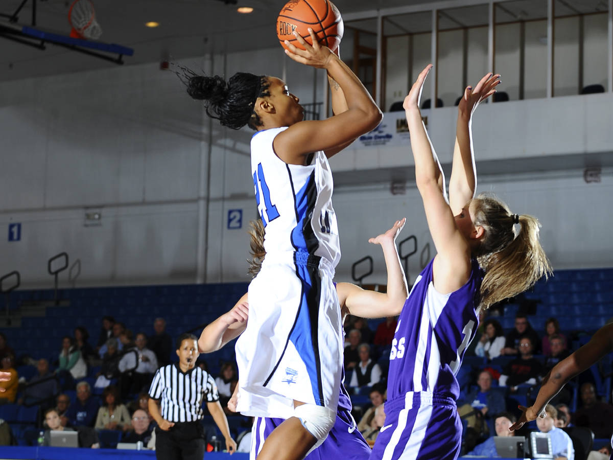 Blue Devils Defeat Monmouth with Defense