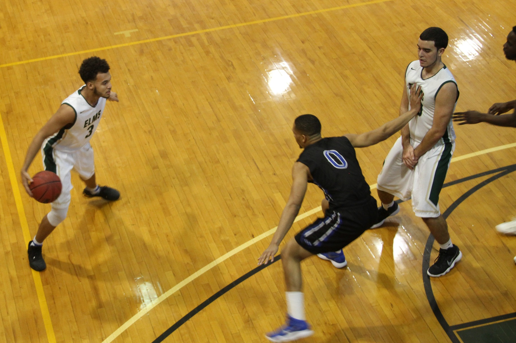 Men's Basketball Can't Overcome Second-Half Rally From RIC