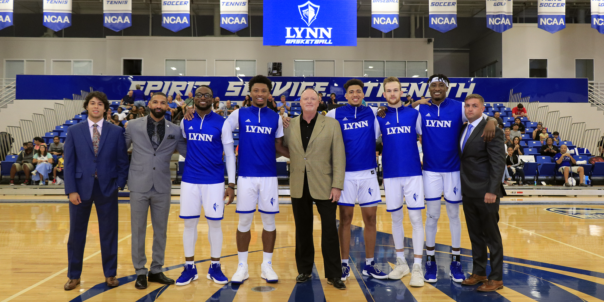Seniors Guide No. 15 Men's Basketball to Victory in Regular-Season Finale