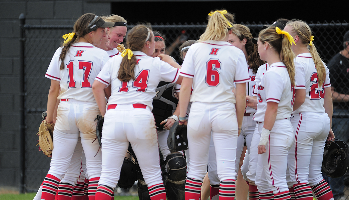 Softball Hosts Swarthmore in Opening Game of Centennial Conference Tournament