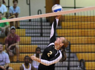 Lady Petrels Lose to Millsaps, 3-0