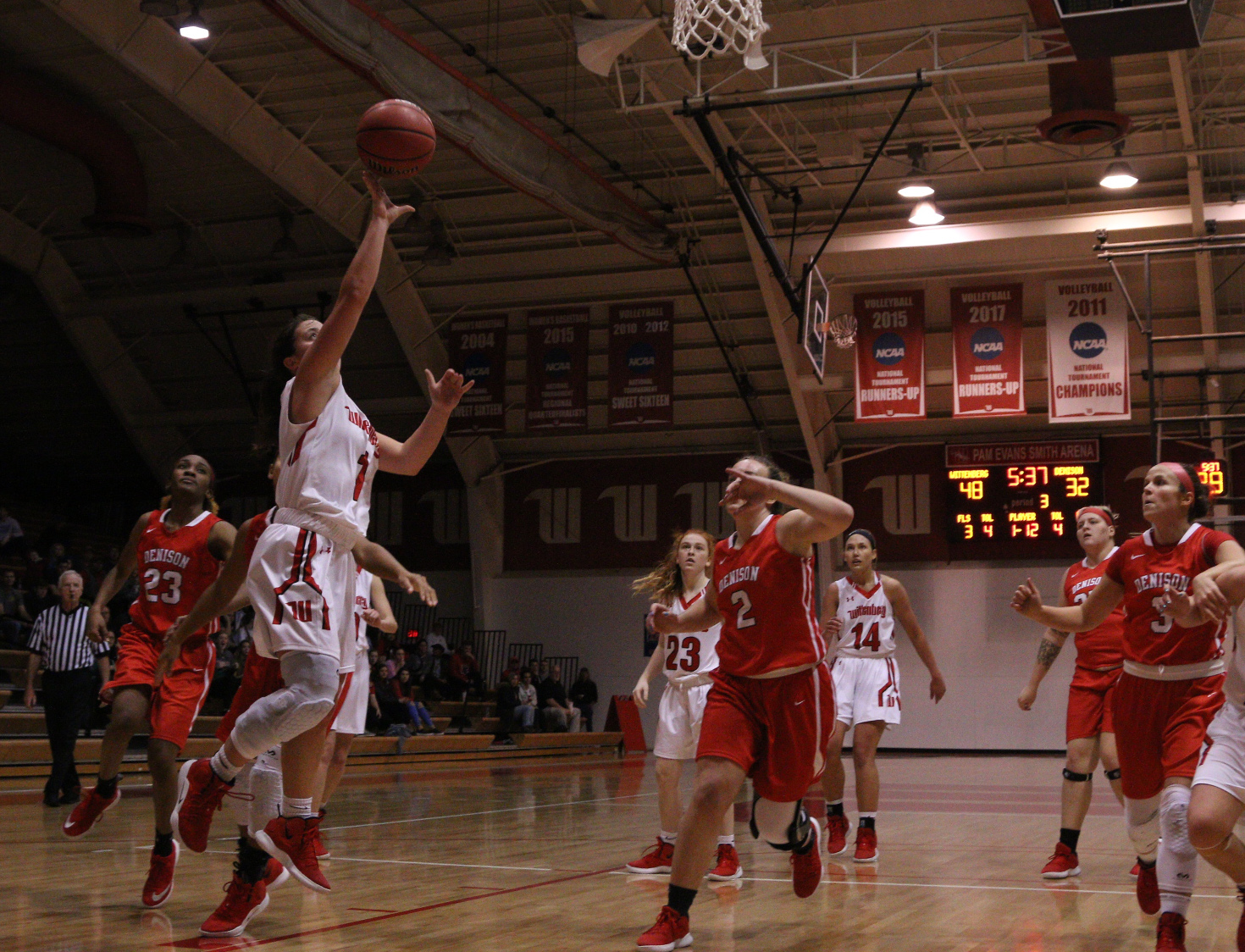 Women's Basketball Wins First NCAC Clash Over Denison