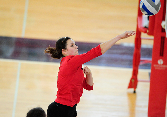 Volleyball falls to Diplomats