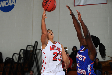 WBB Makes It Three Straight at Bay Path