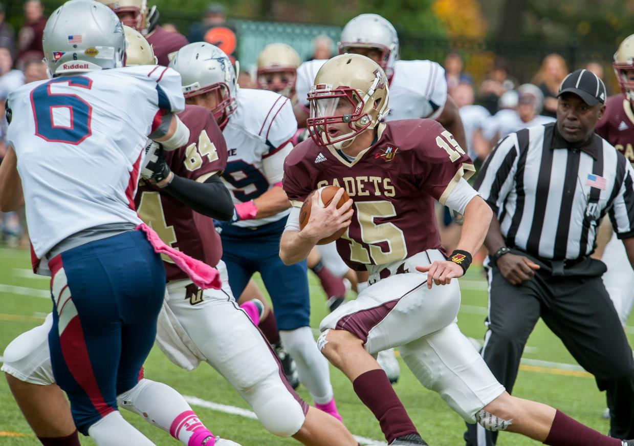 Football Georgio Scores Three Tds In 42 21 Victory Over Suny