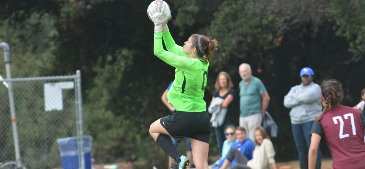 Hamson's 11 Saves Help CMS Women's Soccer Earn 0-0 Draw at Pomona-Pitzer