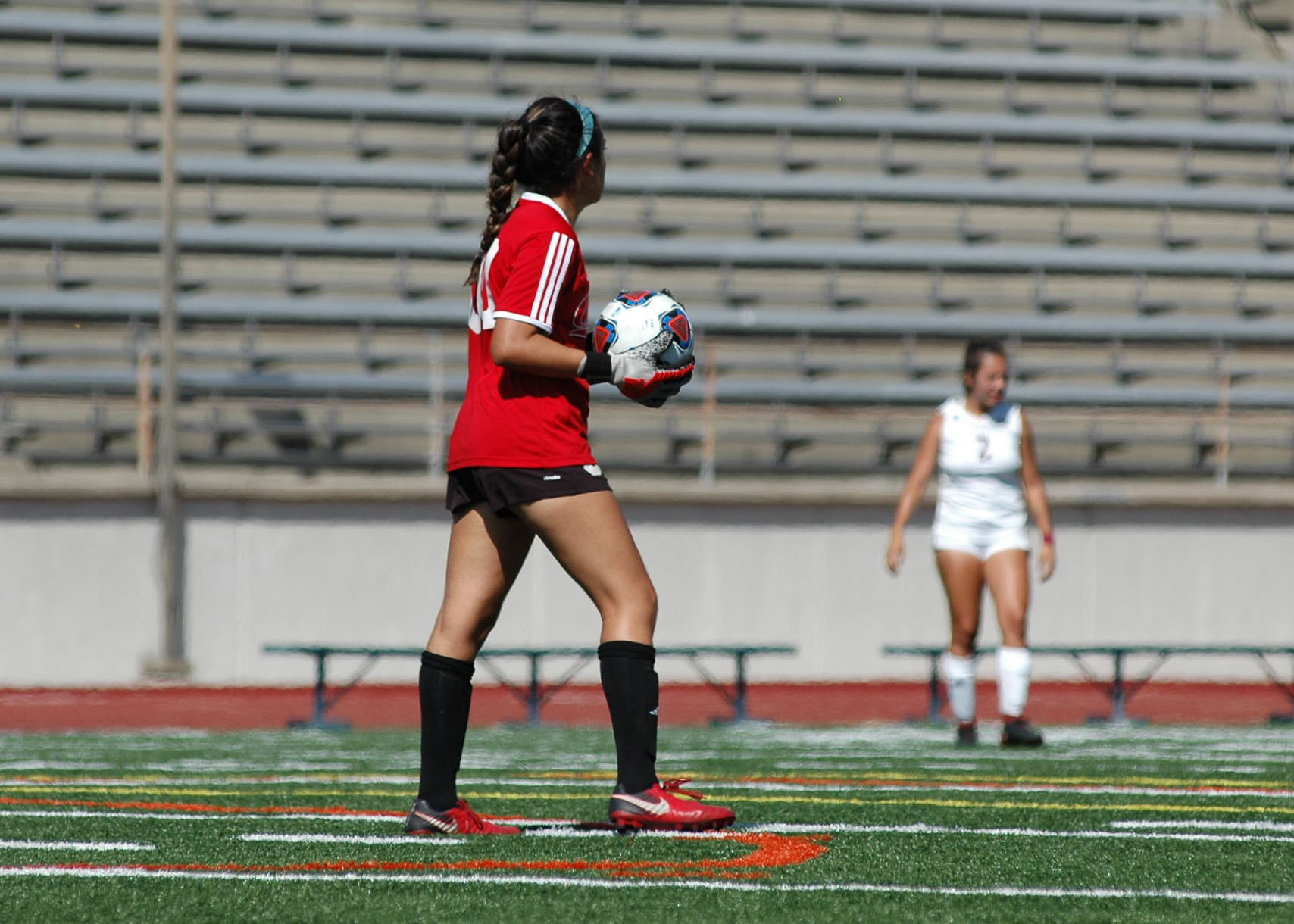 Women's Soccer: Mounties Narrowly Edge Out Owls in 1-0 Battle